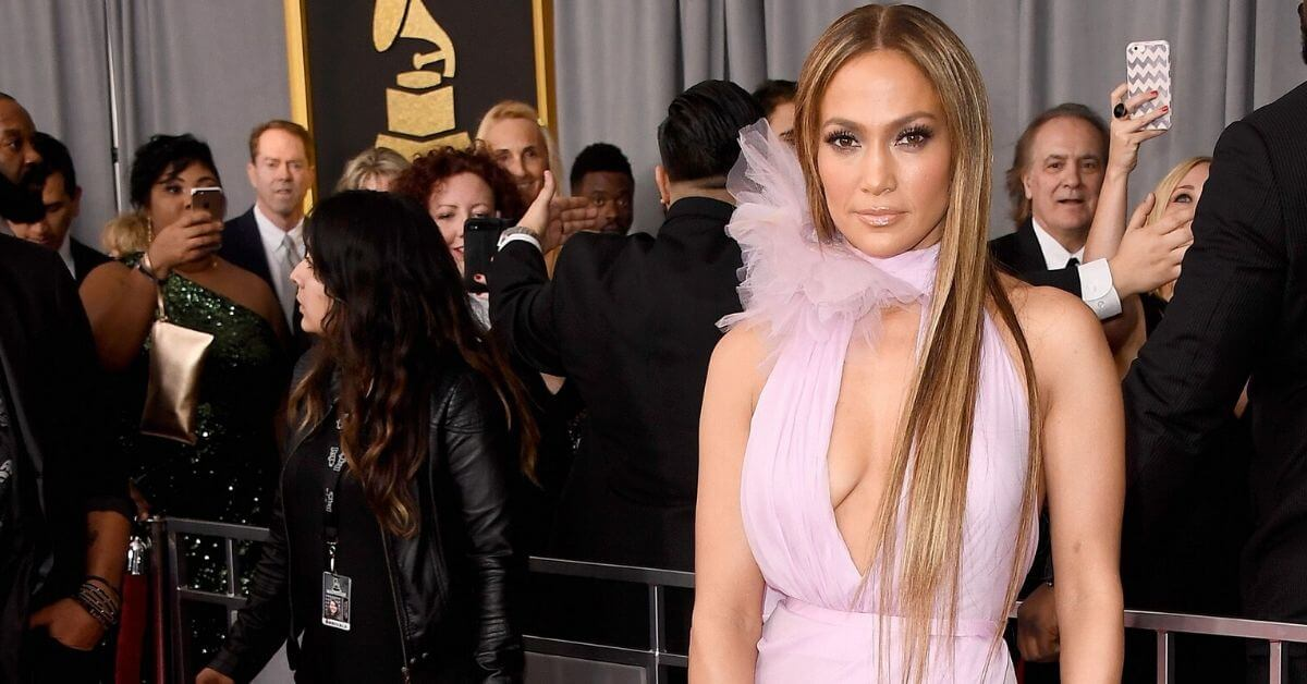 Jennifer Lopez at the 2017 Grammys